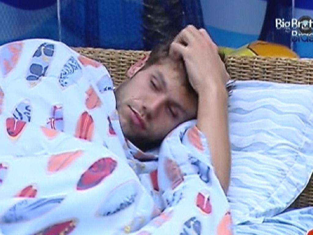 Jonas acorda no quarto Praia (5/3/12)