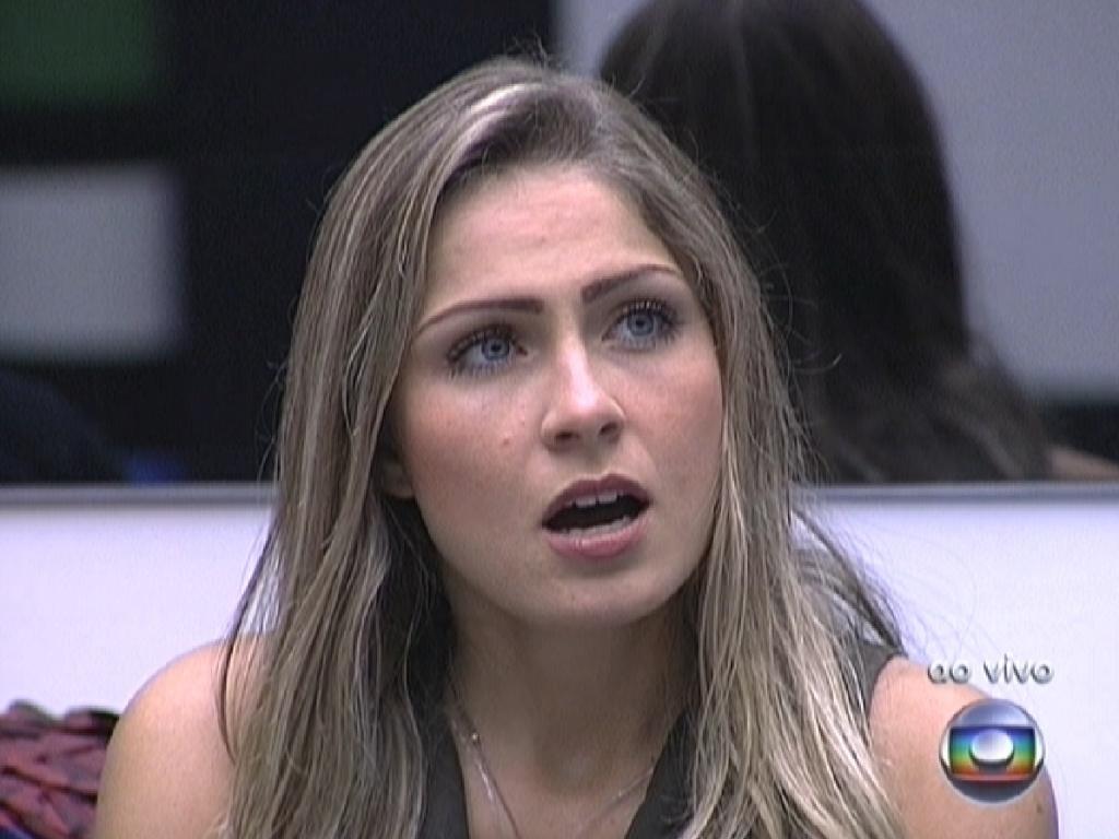 Renata diz para Pedro Bial que entendeu ter recebido cinco votos para ir ao paredão (5/3/12)