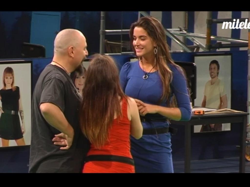 Laisa bate papo com Síndia e Juan (8/3/12)