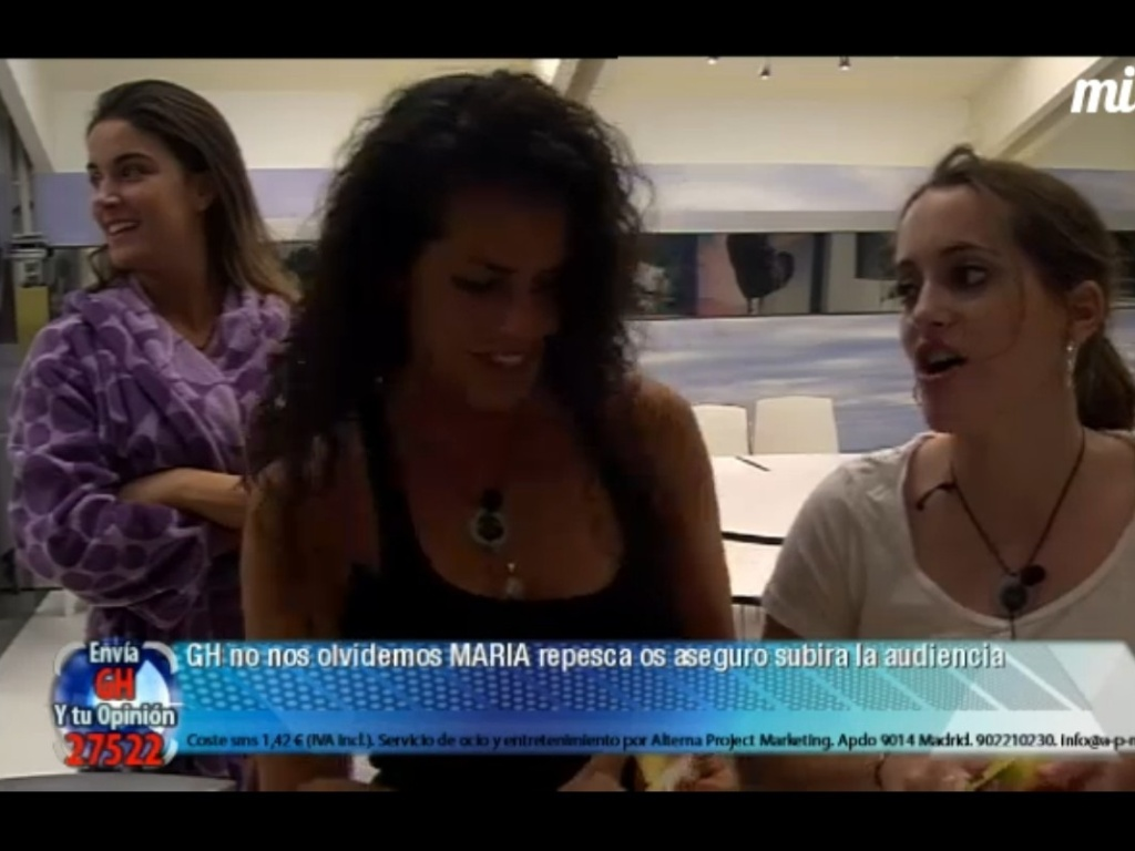 Laisa relembra que durante sua passagem pelo BBB12 tambm mostrou suas partes ntimas sem querer (9/3/12)