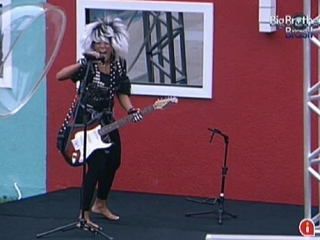 O rock começa mais uma vez e Fabiana cumpre o castigo do monstro (10/3/12)