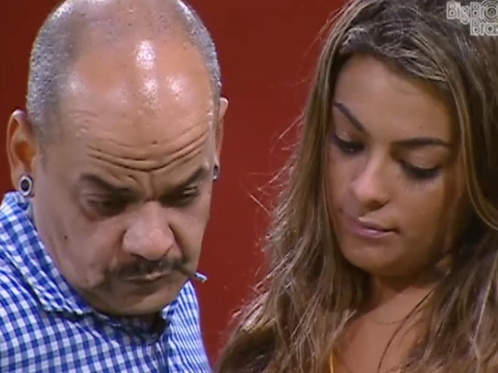 João Carvalho confessa que está aliviado por não enfrentar Monique (12/3/12)