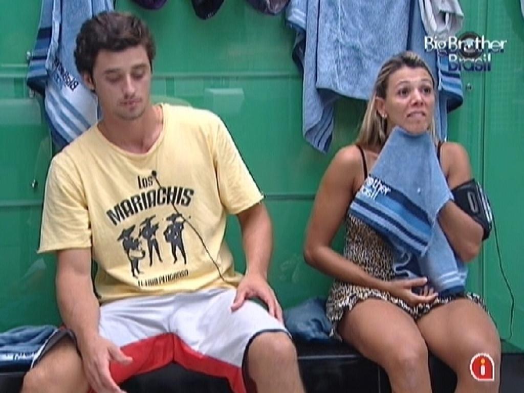 Fael conversa com Fabiana e Jonas na noite desta segunda-feira (12/3/12)