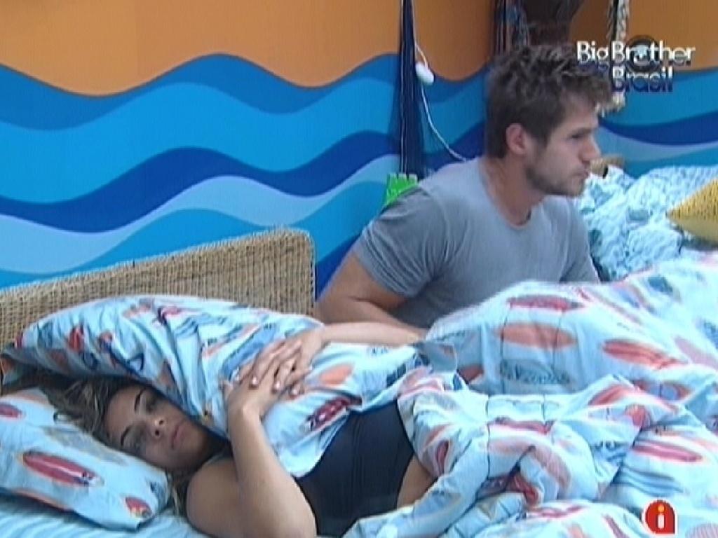 Monique e Jonas se levantam no quarto Praia (15/3/12)