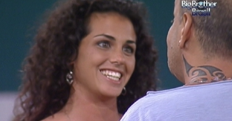 "De surpresa, Noemí do ""Gran Hermano"" entra de surpresa no ""BBB12"" (16/3/12)"