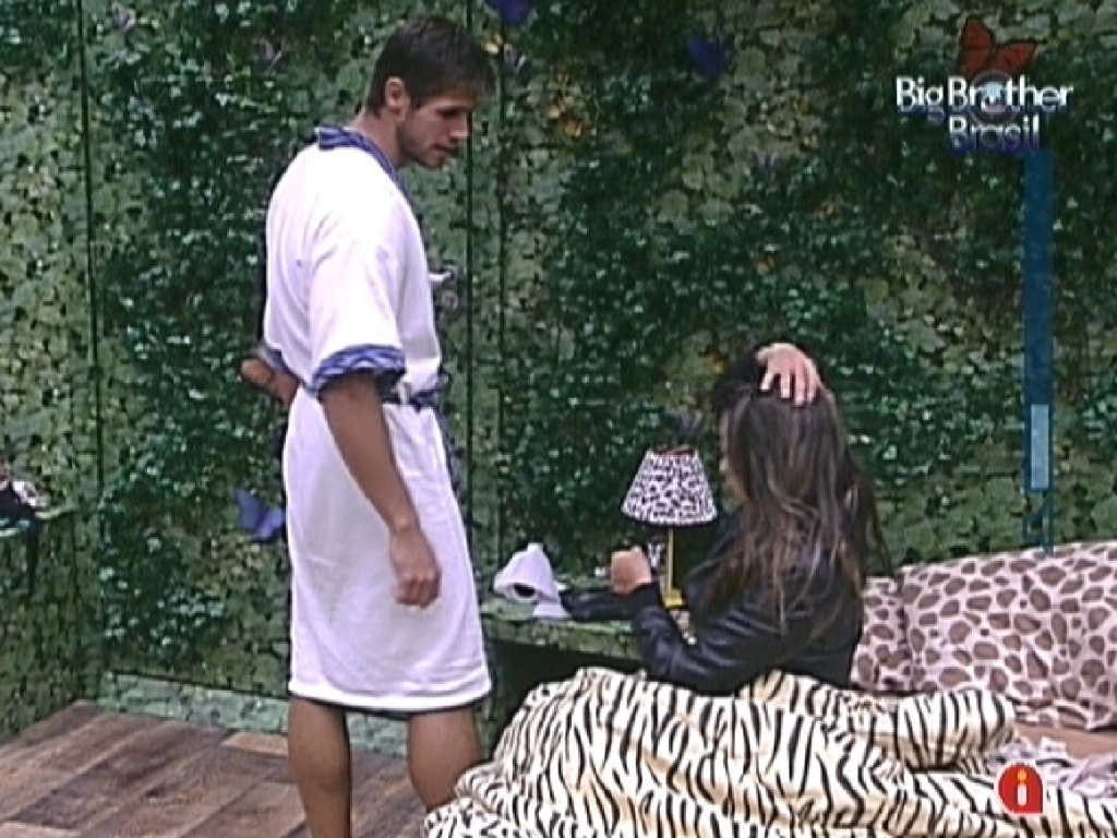 Jonas e Monique conversam aps se desentenderem (16/3/12)