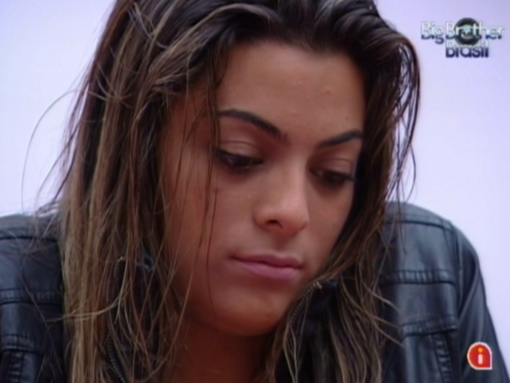 Monique fica triste com seu desempenho na prova do lder (16/3/12)