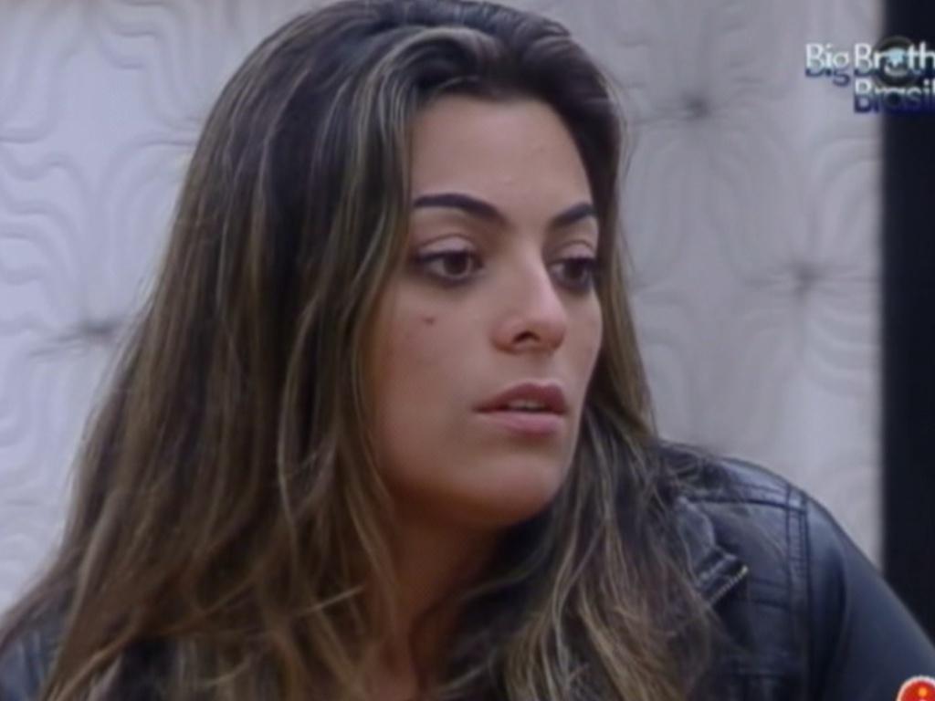 Monique lembra que Jonas já dividiu o quarto do líder com Renata (16/3/12)
