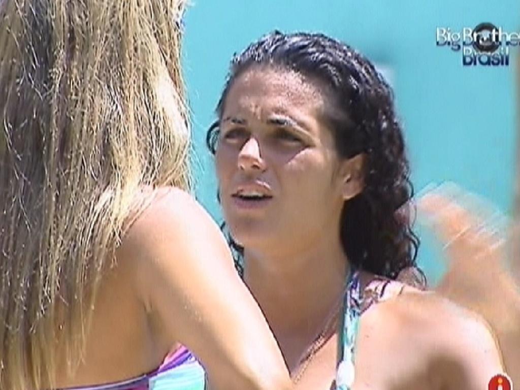 Noemí conversa com Fabiana sobre Laisa e Yuri (17/3/12)