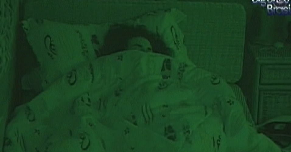 Noem dorme no quarto Praia com os brothers (17/3/12)