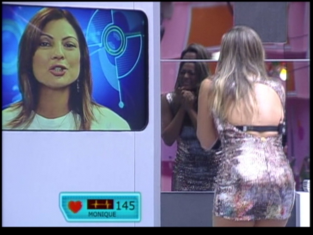 Monique chora muito ao ver sua me (18/3/12)