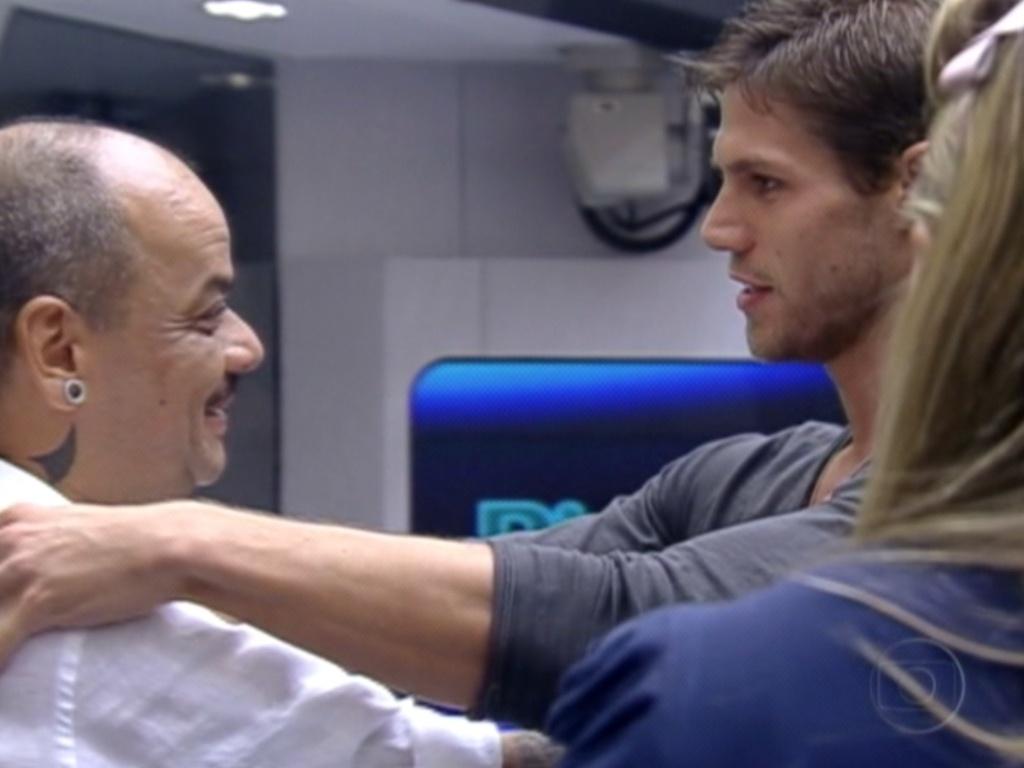 João é eliminado com 86% dos votos e se despede de Jonas (20/3/12)