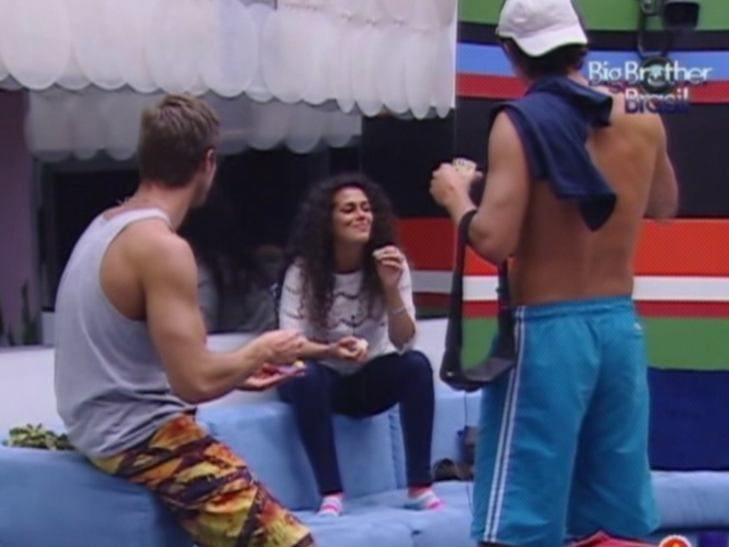 Noemi pergunta para Jonas e Fael quais as posições sexuais preferidas dos brothers (20/3/12)