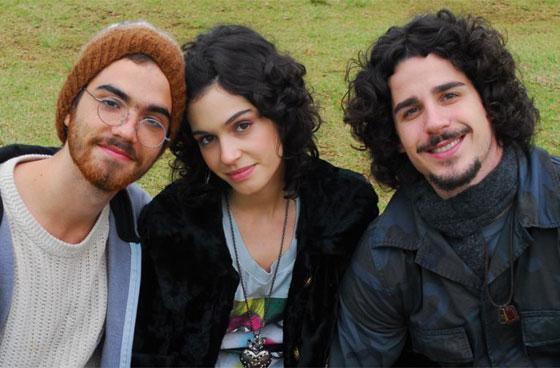 http://tv.i.uol.com.br/fotos/aline_trio_div_560.jpg