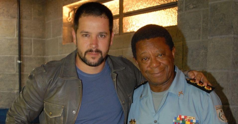 Tenente Wilson (Murilo Benício) e Coronel Caetano (Milton Gonçalves) de