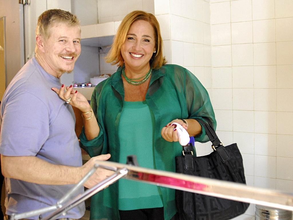 Miguel Falabella e Cláudia Jimenez em cena do seriado