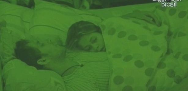Eliéser e Cláudia foram os últimos a dormir no puxadinho (10/2/10)