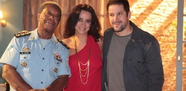 Os atores Milton Gonçalves, Suzana Pires e Murilo Benício durante a gravação do nono episódio da série