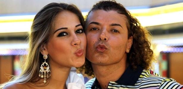 Maíra e David Brazil gravam reportagem no cruzeiro