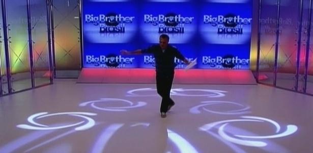 Bial dá início a mais um programa ao vivo (4/3/10)