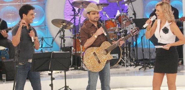 Eliana recebe a dupla Zezé Di Camargo & Luciano em seu programa (9/05/10)
