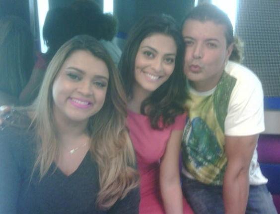 Preta Gil, Juliana Paes e David Brazil no programa