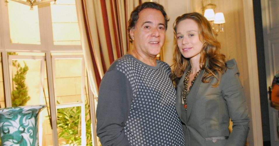 Tony Ramos e Mariana Ximenes na coletiva de