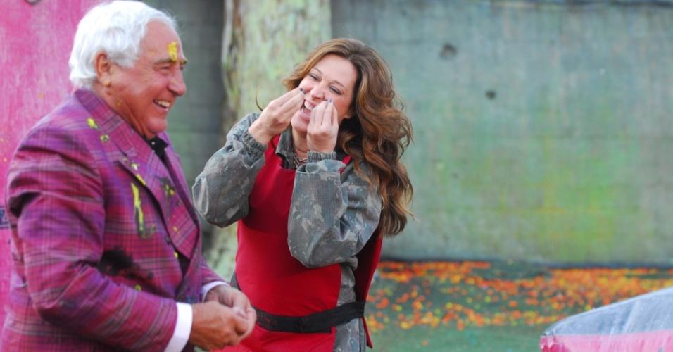 Luiz Gustavo e Cláudia Raia se divertem em gravação de