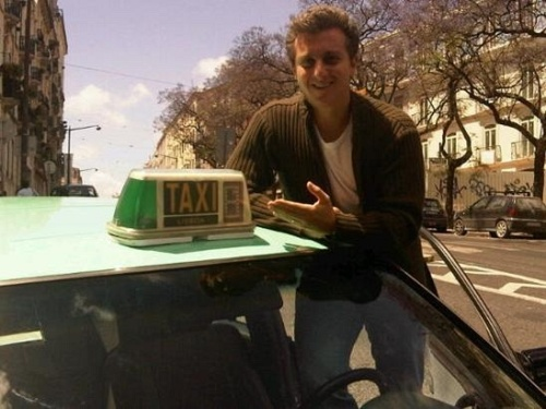 Luciano Huck postou no Twitter uma foto de seu táxi em Portugal (24/5/10)