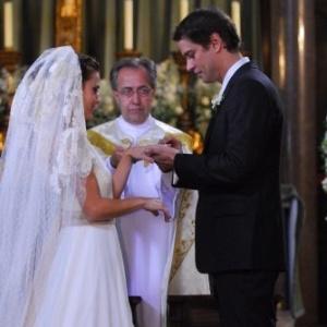 Diana e Gerson se casam em Passione