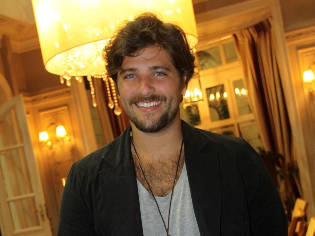 Bruno Gagliasso faz o Berilo de