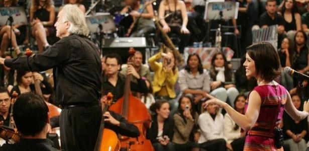 Sandy e o maestro João Carlos Martins, durante gravação do programa