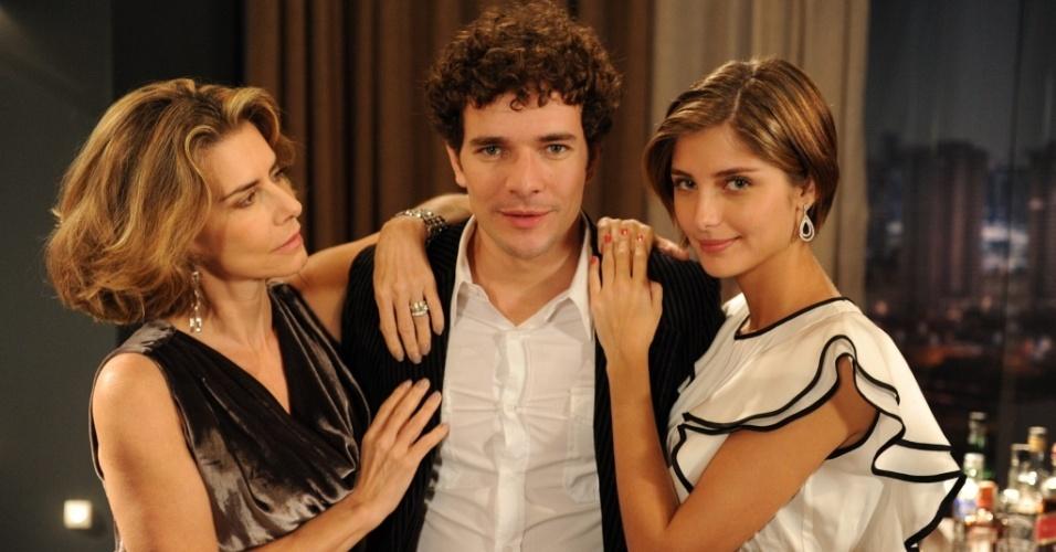Maitê Proença, Daniel de Oliveira e Tammy Di Calafiori em cena de