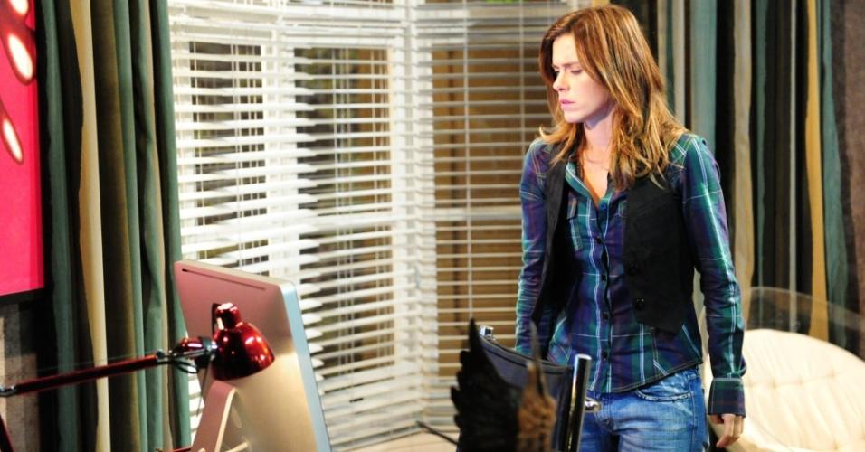 Diana (Carolina Dieckmann) descobre o segredo de Gerson, em