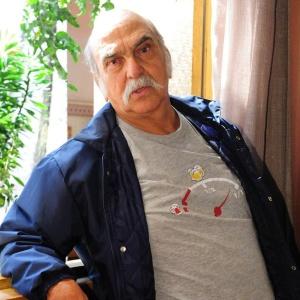 http://tv.i.uol.com.br/televisao/2010/09/13/lima-duarte-durante-coletiva-de-imprensa-de-araguaia-8910-1284408612213_300x300.jpg