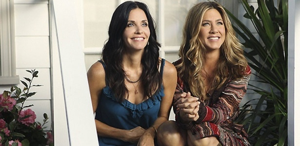 Courteney Cox e Jennifer Aniston em cena da srie Cougar Town (16/9/10)