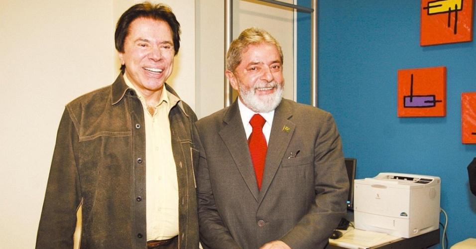 Silvio Santos e Lula no SBT, antes do início do debate promovido pela emissora, em São Paulo (19/10/2006)