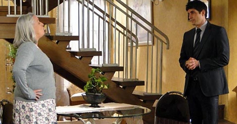 Candê (Vera Holtz) agride Fred (Reynaldo Gianecchini) e o acusa de ser o culpado pela morte de Saulo (outubro/2010
