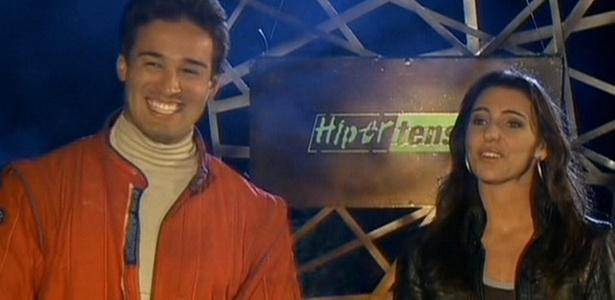 Toshi comemora a vit�ria no reality ao lado da apresentadora do Hipertens�o Glenda Kozlowski (21/10/2010)