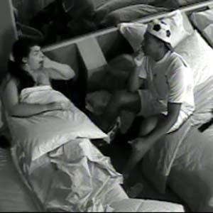 Viola diz para Melancia que vai colocar Mallandro contra a parede (22/10/2010)