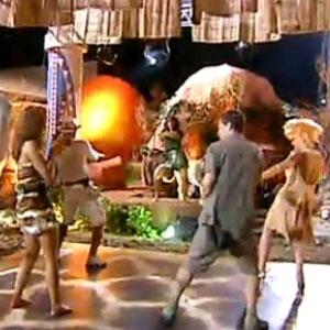 Peões dançam comandados por Mulher Melancia (23/10/2010)