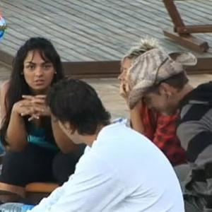 Melancia conta intenções de seu grupo na hora da votação (26/10/10)