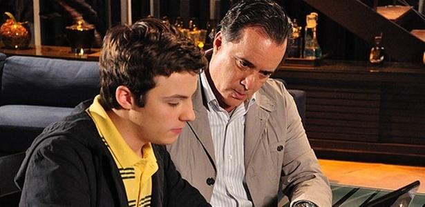 Miguel Roncato e Tony Ramos em cena de
