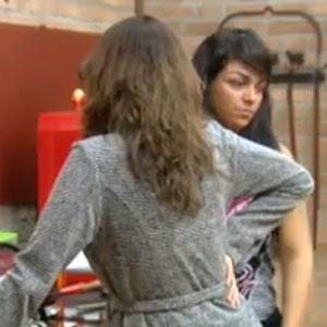 Ana Carolina Dias e Mulher Melancia conversam na cozinha (05/11/2010)