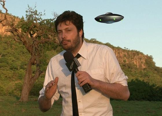Danilo Gentili grava em Mato Grosso do Sul uma reportagem sobre ET (8/11/10)