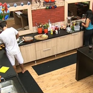 Andressa Soares e Sergio Abreu se encarregam do almoço nesta quarta-feira (10/11/10)