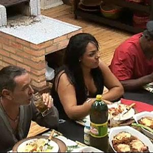 Carrasco, Melancia e Viola saboreiam almoço especial (11/11/10)