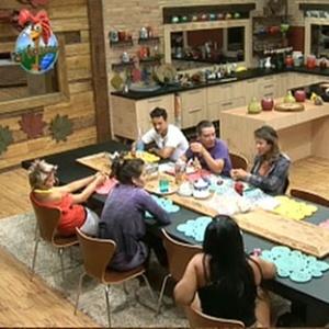 Ana Carolina Dias avisa que Janaina e Sergio Abreu participaram do jantar japonês com Carrasco (13/11/10)