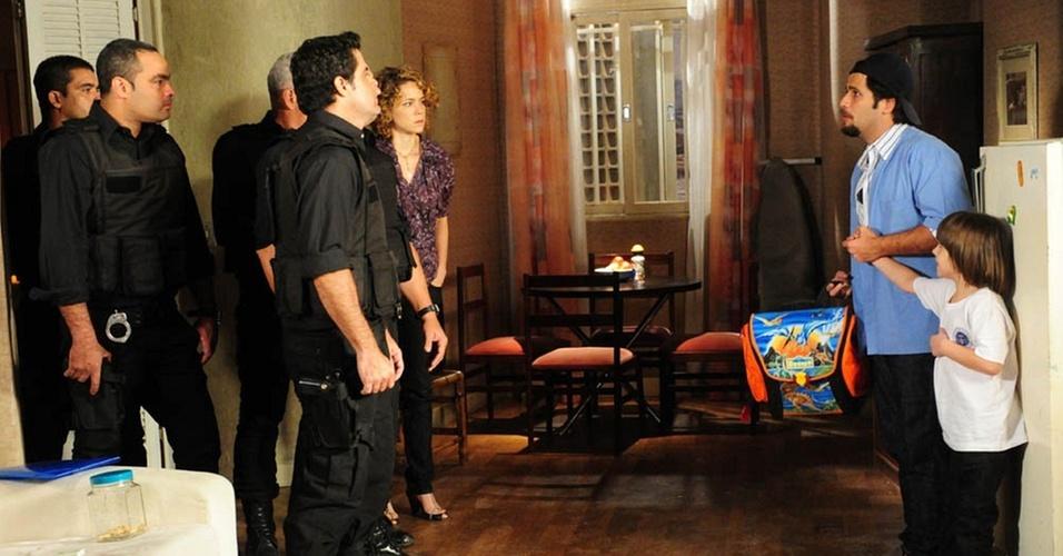 Berilo (Bruno Gagliasso) é acusado de sequestro em