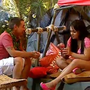Carlos Carrasco conversa com Mulher Melancia na festa Praia (19/11/2010)